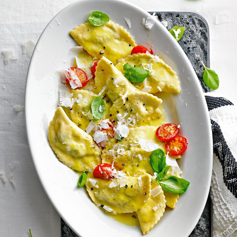 Lieblingsrezepte der Woche: Auberginen-Mezzelune mit Paprikasoße
