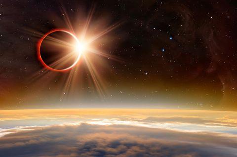 3 Sternzeichen, denen die Sonnenfinsternis am 10.6.2021 einen Neufanfang schenkt