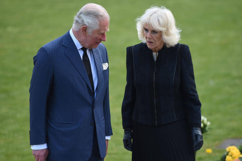 Charles, Camilla, William + Catherine: Reaktionen der Royals auf die Geburt von Baby Lili wirft Fragen auf: Charles und Camilla
