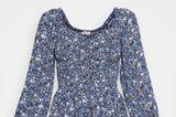 Sieht aus wie ein Kleid, ist aber ein Jumpsuit und dadurch unglaublich bequem zu tragen. Ideal, wenn man weiß, dass man viel unterwegs ist und sich dabei viel bewegen muss, aber trotzdem nicht auf einen tollen Look verzichten möchte.Von Hollister, kostet ca. 50 Euro.