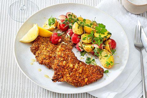 Panko-Schnitzel mit Kartoffelsalat