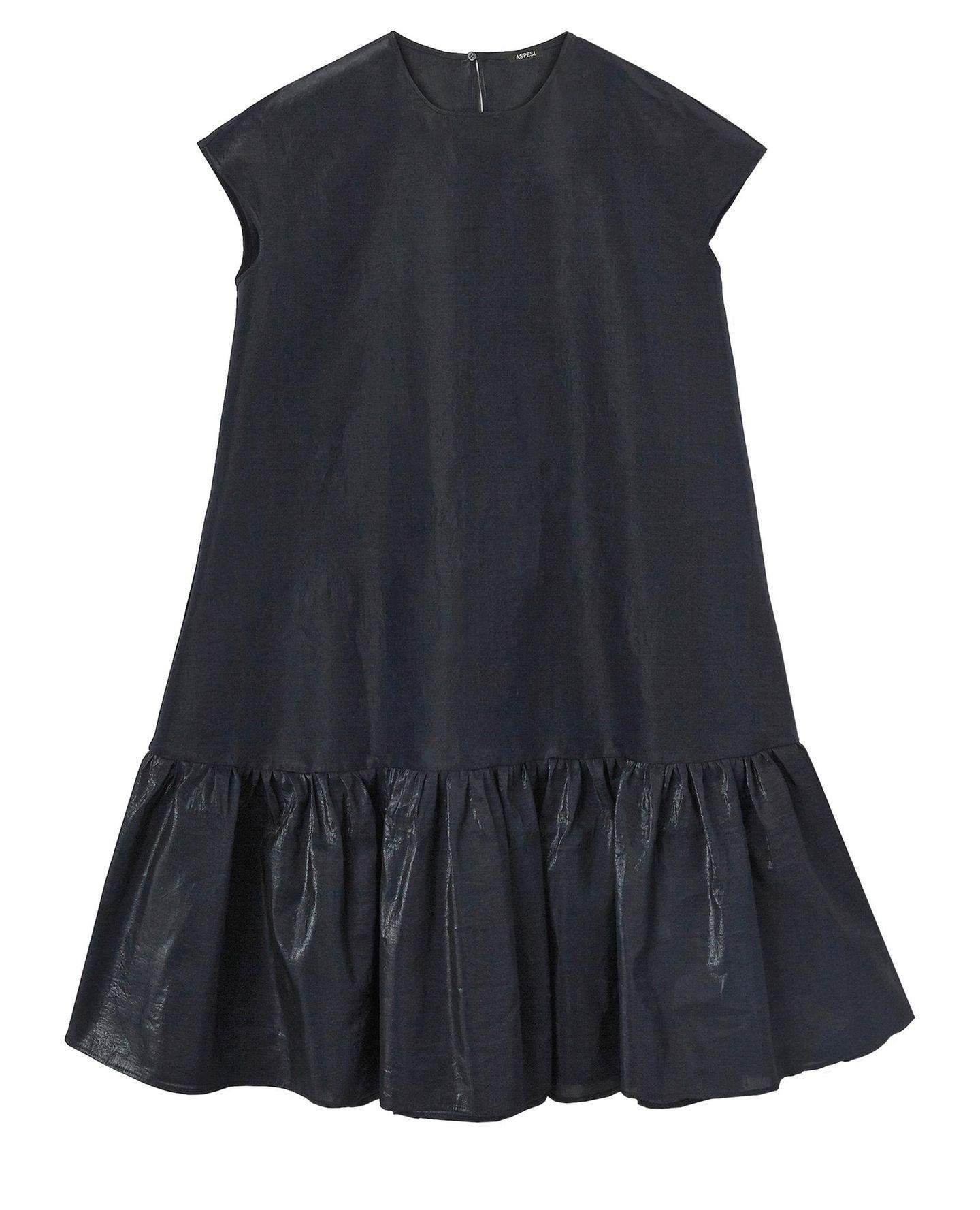 Den eigenen Stil finden: Schwarzes kurzes Kleid