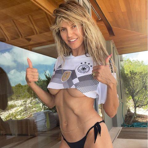 Heidi Klum: Freizügiges Fußballfieber zum EM-Auftakt