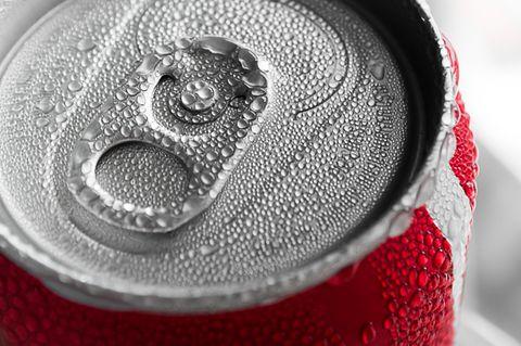 So kriegt ihr Getränke in nur zwei Minuten gekühlt