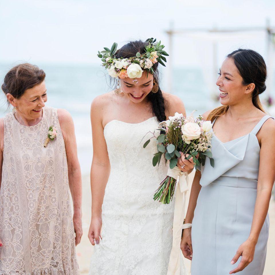 Dresscode: Braut mit Gästen