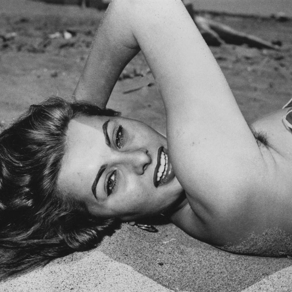 Sophia Loren mit Achselhaaren