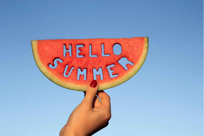 Sommer Bucket List: Wassermelonenscheibe mit Schriftzug