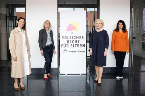 Elternrechte: Sandra Runge, Rosa Wetscher, Christine Lambrecht, Brigitte Huber