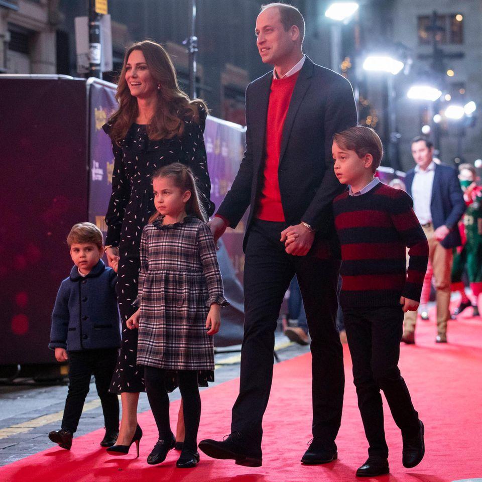 Prinz William: Er wird seinen Kindern die Diana-Statue vor der Enthüllung zeigen: William und Kate mit ihren Kindern