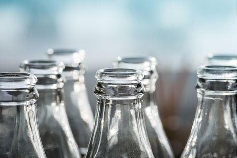 Glasflaschen: Verschiedene Glasverpackung