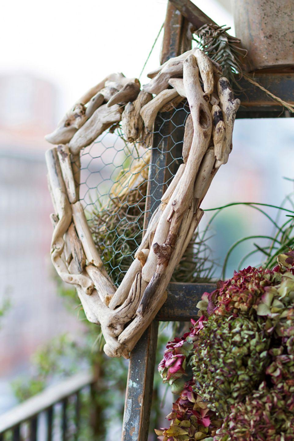 Basteln mit Naturmaterialien: Herz aus Treibholz