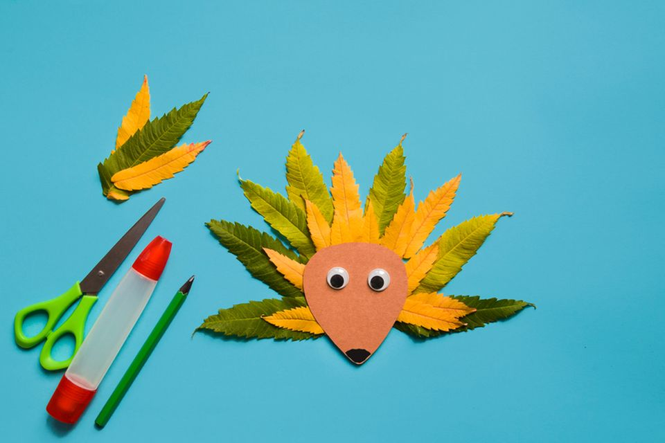 Basteln mit Naturmaterialien: Figuren aus Blättern
