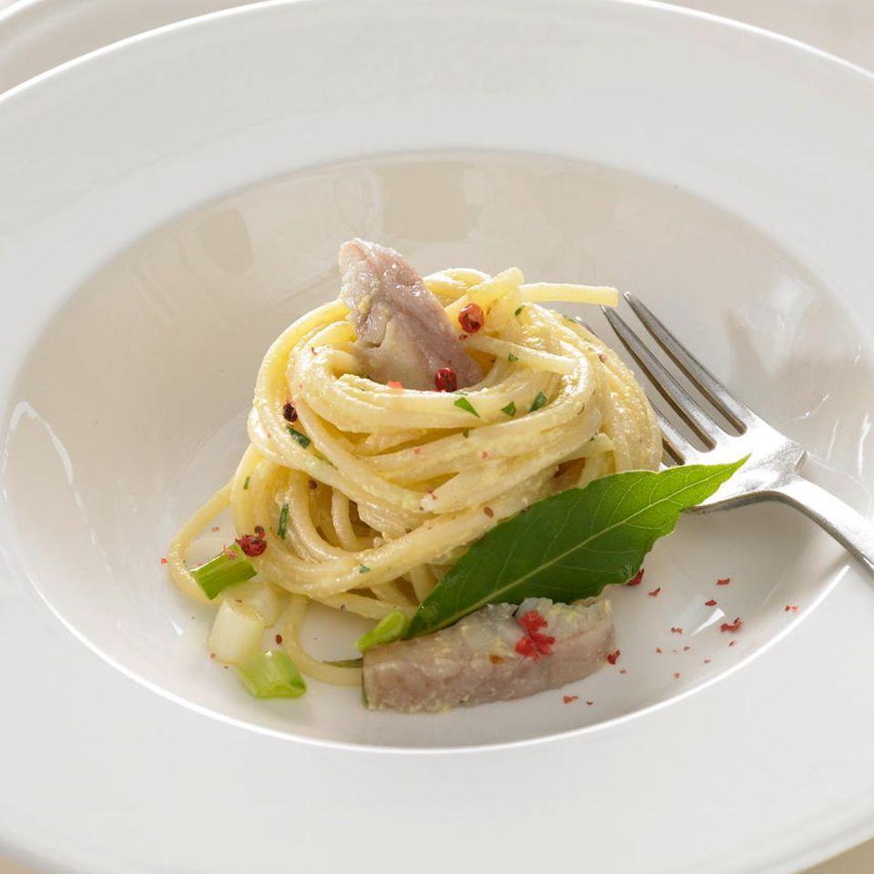 Spaghetti alla Carbonara mit Räucheraal