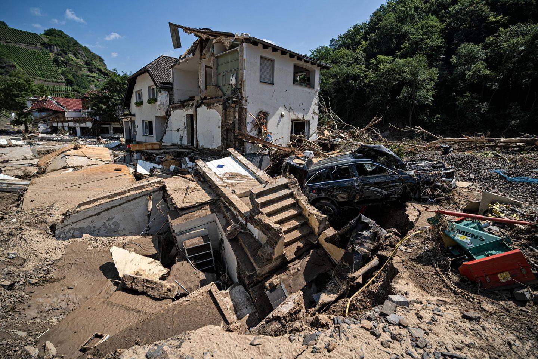 """Flutkatastrophe in Deutschland: """"Tag der Hilfe"""" bei RTL und stern: zerstörte Häuser"""
