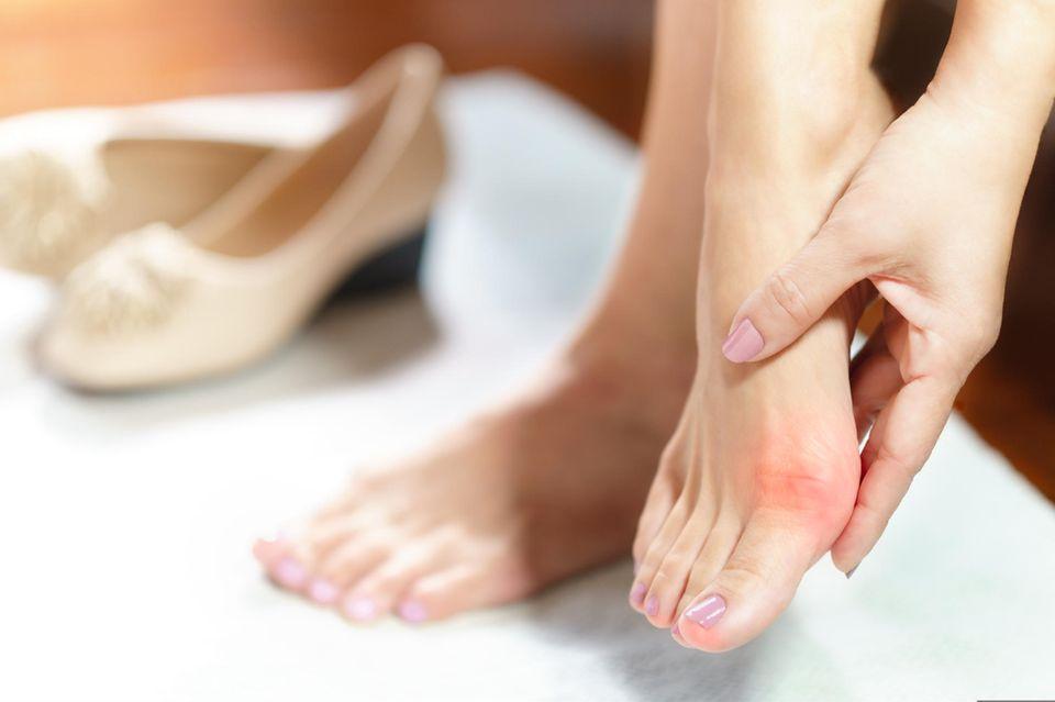 Hallux Valgus: Schmerzender Fuß