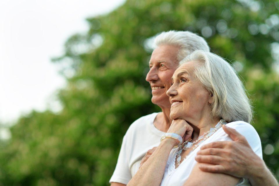 Liebesfragen: älteres Ehepaar