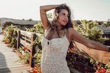 Sarah Engels posiert auf einem Steg für ein Foto.