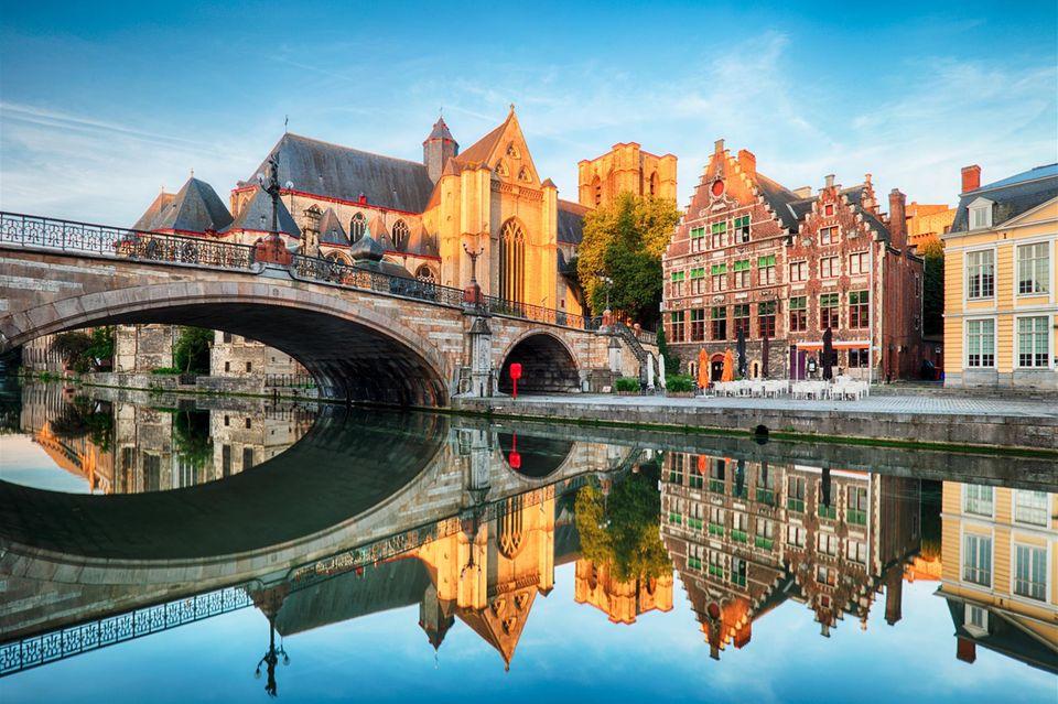 Gent: Häuser und Wasser in der Stadt