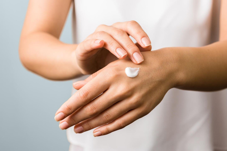 Handpflege : 5 Tricks, mit denen deine Hände jünger aussehen
