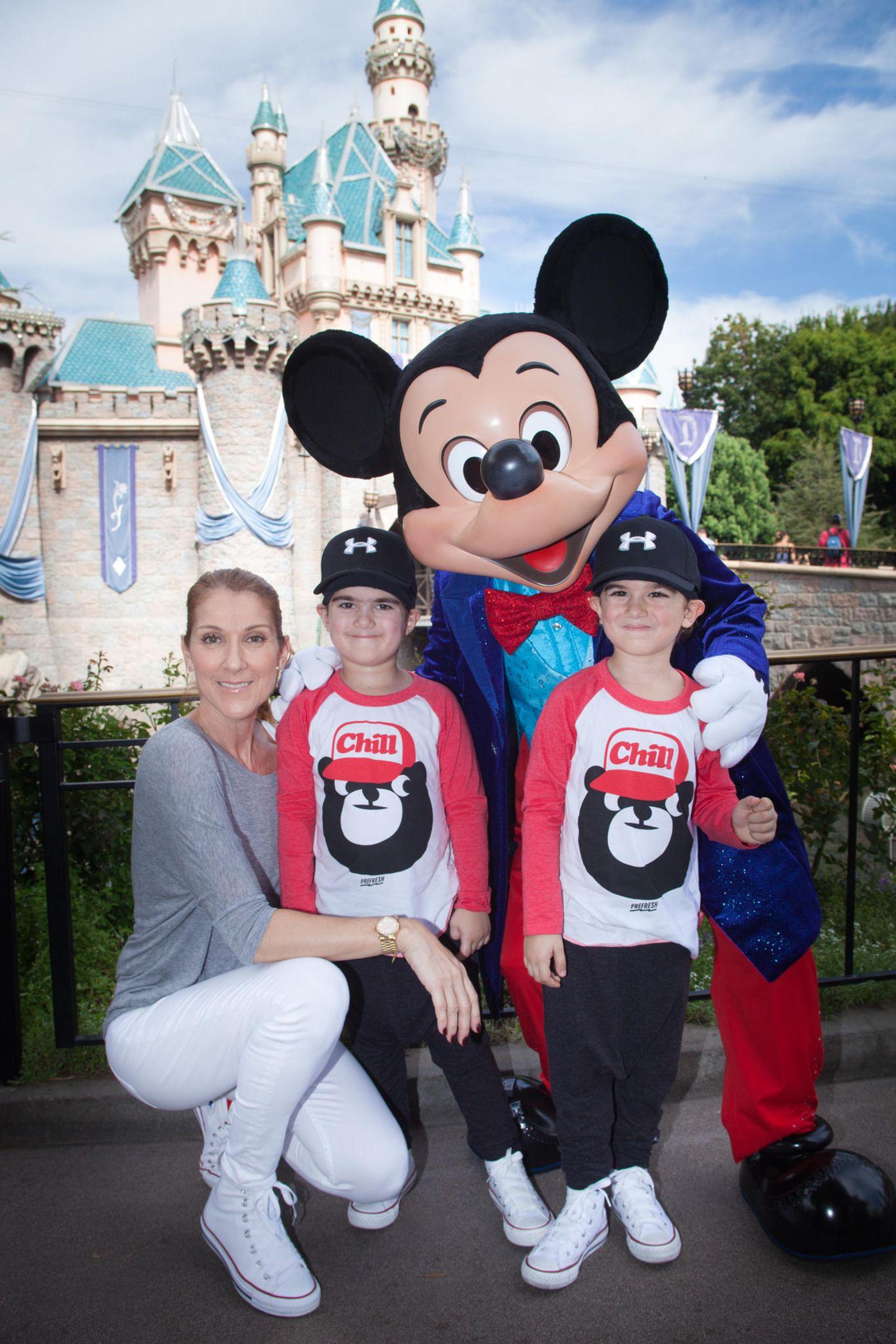 Céline Dion mit den Zwillingen Nelson und Eddy
