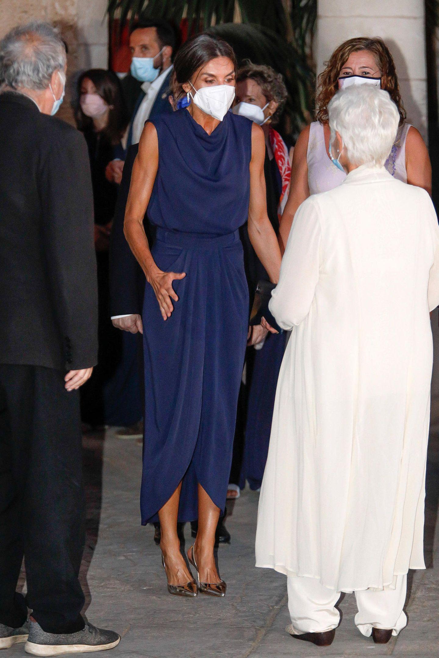 Königin Letizia trifft Schauspiel-Ikone Dame Judi Dench