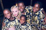 Madonna mit ihren vier Adoptivkindern