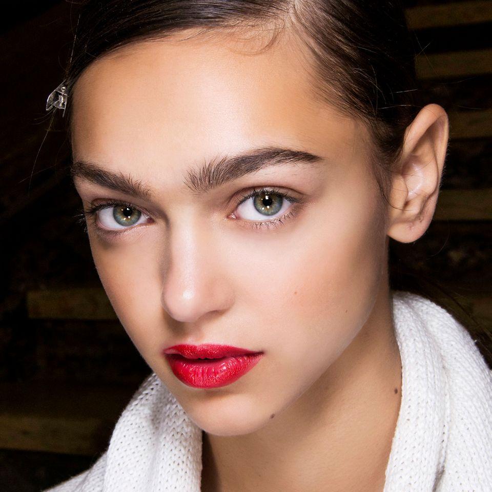 Brow Stamp: Buschige Augenbrauen