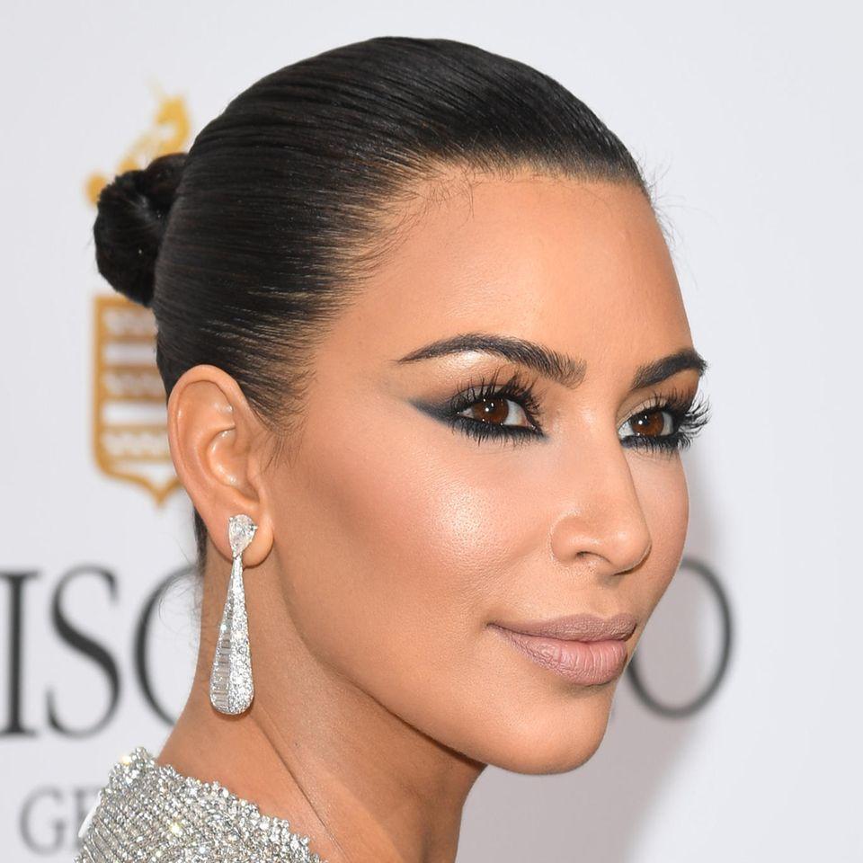 Reverse Cat-Eye: Kim Kardashian