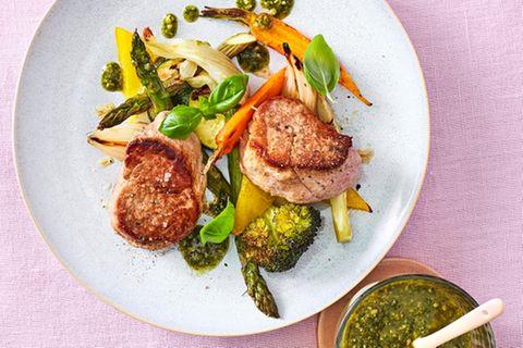 Schweinefilet mit buntem Gemüse