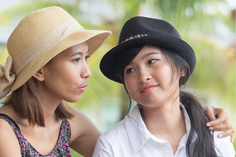 Psychologie: Zwei unglückliche Freundinnen