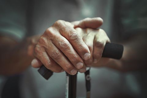 Beziehung: Ein Bild von alten Händen