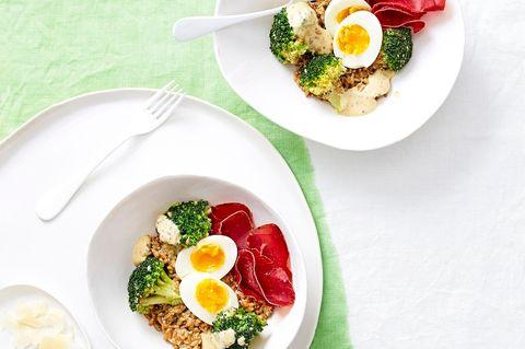 Brokkoli-Eier-Salat mit Bündnerfleisch