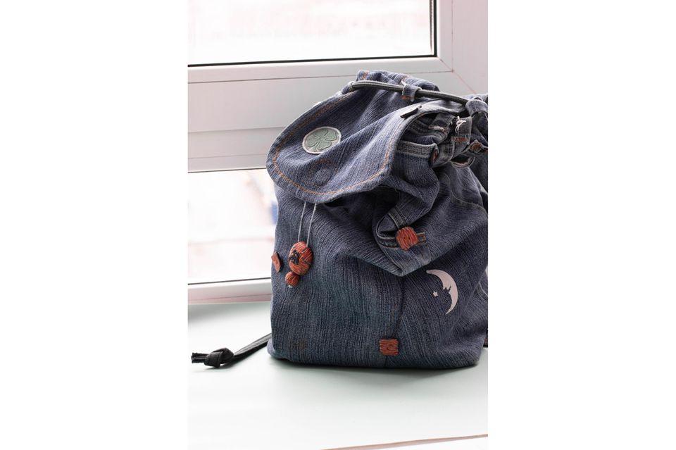 Upcycling-Ideen für Jeans: Rucksack aus Jeansstoff