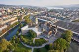"""Im über 100-jährigen Märchenschloss beim Zürcher Hauptbahnhof befindet sich das Landesmuseum. Die permanente Ausstellung die """"Geschichte der Schweiz""""illustriert dieAnfängebis hin zur Gegenwart.Der Park hinter dem Museum gehört zu den schönsten der Stadt, ein Spaziergang danach ist also ein Muss."""