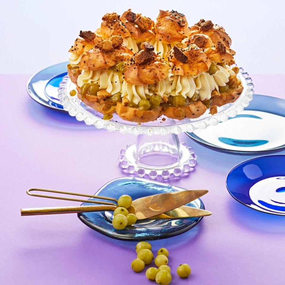 Paris-Brest-Torte mit Stachelbeeren