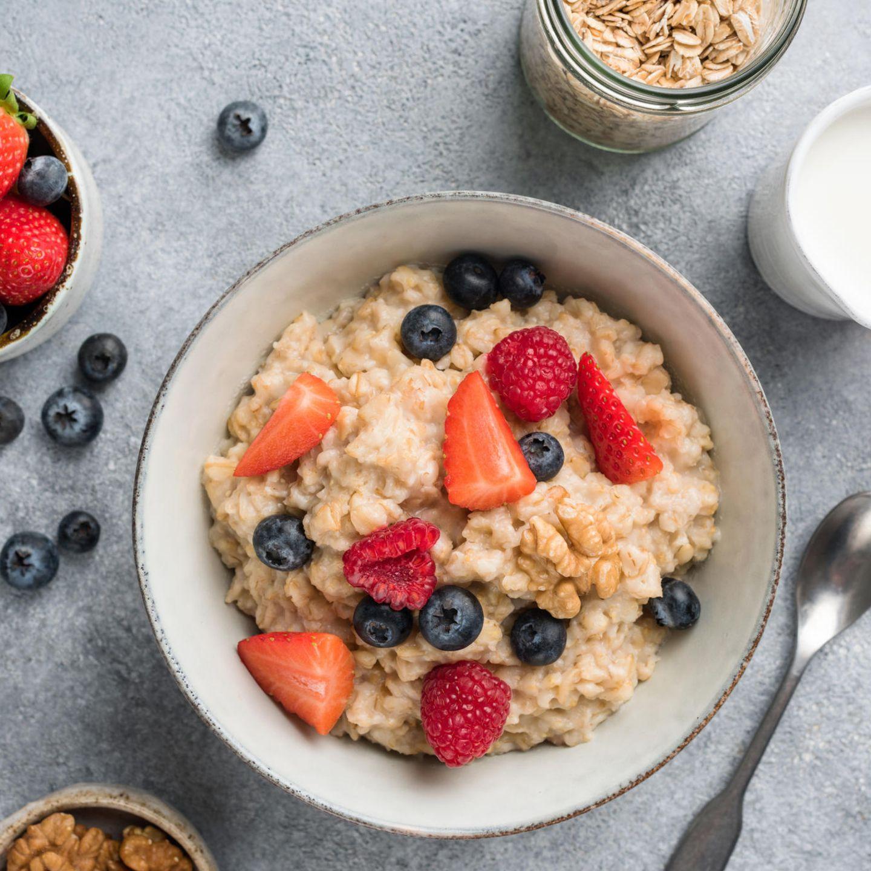 Schnelle Nummer: Porridge mit roten Früchten