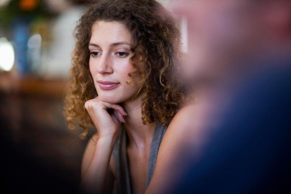 Psychologie: Nachdenkliche Frau