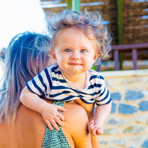Babynamen: Kleiner Junge im Urlaub