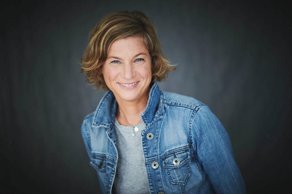 Sie ist die Gesprächspartnerin von Laura Seiler: Nikola Haaks leitet bei BRIGITTE die Bereiche Dossier/Reise/Gesundheit