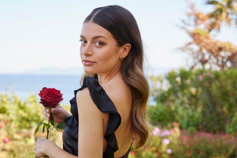 Bacchelor und Bachelorette: Maxime Herbord mit Rose