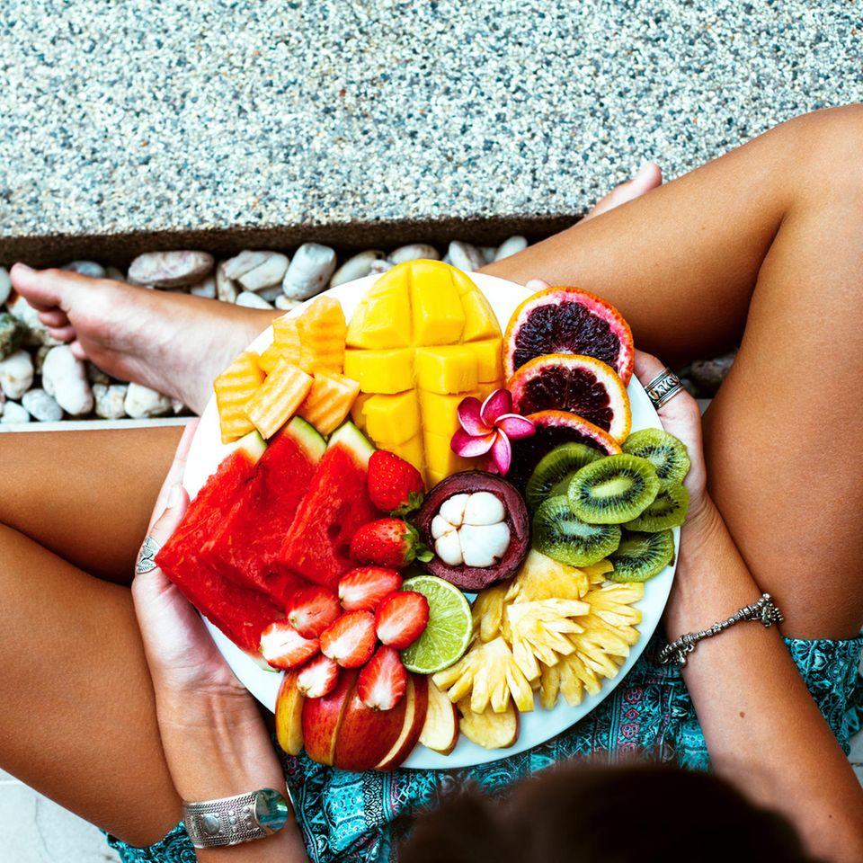 Hara Hachi Bu: Frau mit Obstteller