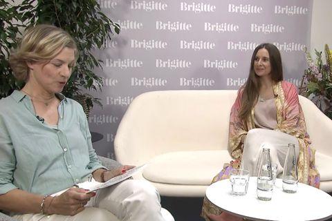 Laura Mailina Seiler im Talk mit Nikola Haaks von BRIGITTE