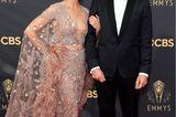 In einem mauvefarbenen Cape-Kleid vonZuhair Murad zeigte sich Keri Russell auf dem roten Teppich.Matthew Rhys sah im klassischen Smoking ebenfalls sehr elegant aus.