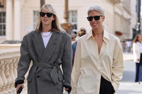 Vogue-Redakteurinnen Laura Ingham und Kollegin Sara Harris zeigen uns, wie man lässig und gleichzeitig super stylisch aussehen kann.