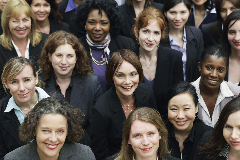 Arbeitgeber-Studie 2021: Gruppe von Frauen