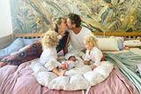 Promi-Babys: Janni Hönscheid und Peer Kusmagk mit ihren Kindern