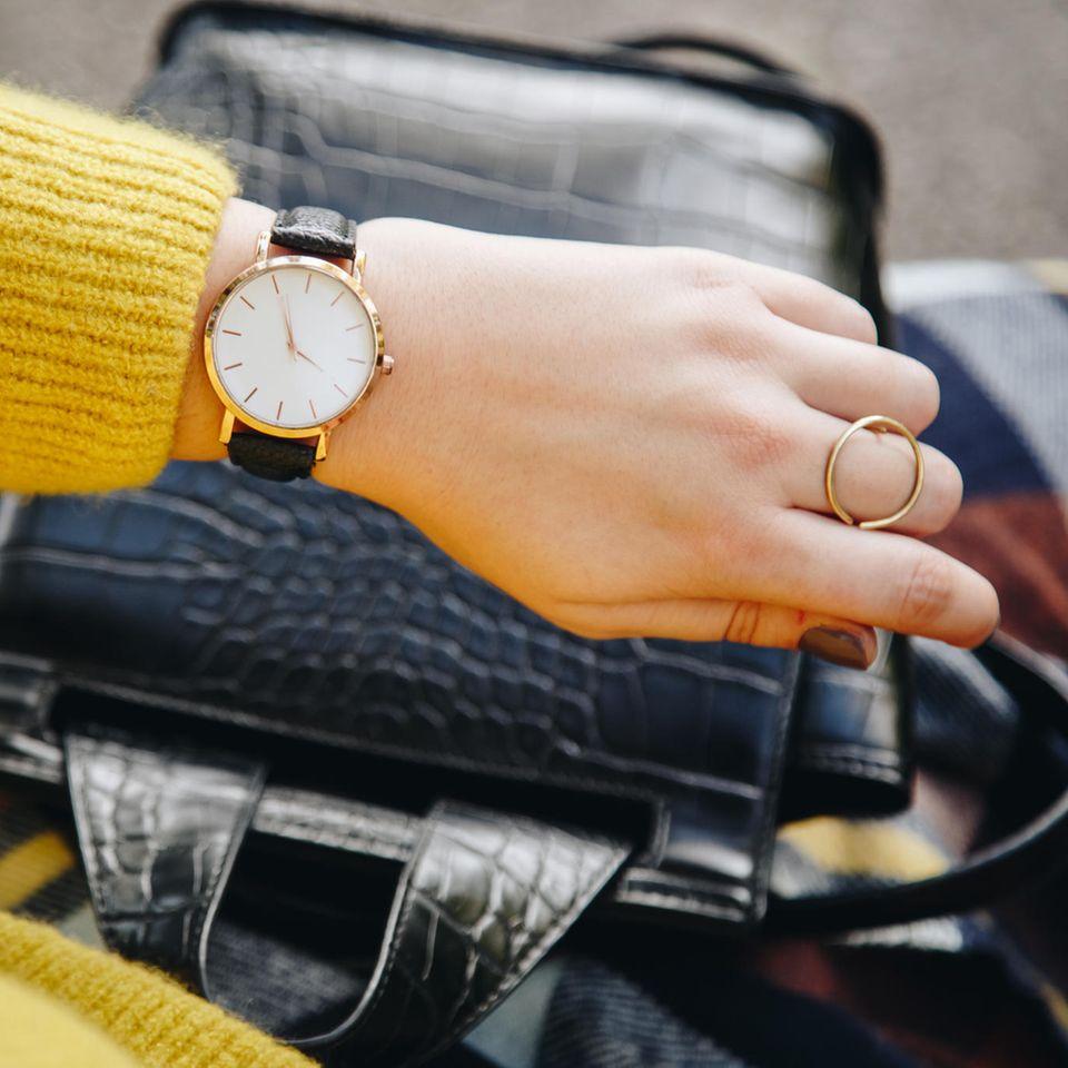 Armbanduhr, schöne Uhr, Handgelenk