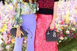 Wow! In diesen leuchtenden Outfits sind Jana Ina Zarrella (l.) und Franziska Knuppe nicht zu übersehen. Beide haben eine ausgezeichnete Wahl getroffen!