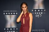 Joan Smallsbesucht die Lingerie-Show von Rihanna