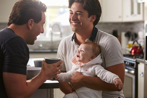 Homosexuelle Paare können jetzt gemeinsam ein Kind adoptieren.